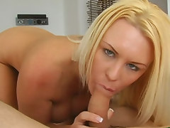 This blondie knows how to suck a dick.