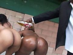 00Negro fucks big black booty!