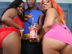 Samone and Vanilla big booty hoes fuck Super Nigga!