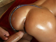 Curvy Latina Britney fucks a couple gangsters