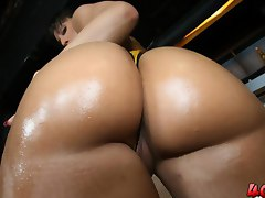 Ricki White gets nasty with some big dick until facial