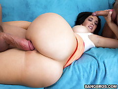 Jayden Jaymes on every side big ass is a heroine be proper of the porn industry. She can fuck faster than a locomotive