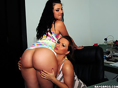 What's up guys, this time on a difficulty famous AssParade we bring you a lucky kid name Ken, together with two hot, sexy, gorgeous asses named Katja Kassin together with Ava Rose. This two sexy mamas essay a difficulty best behinds you essay ever seen, t