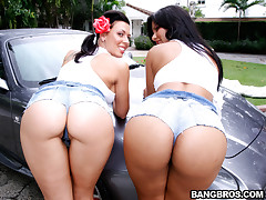 We have some serious asses in this Assparade update. In today'sfeature we got the famous Rachel Starr and the sexy Latin Ms. Rose.These girls are amazing and man are they packing some huge asses! Ipromise your gonna love watching these two get there asses
