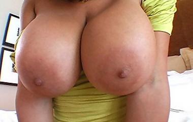 4 huge boobs + 1 dick = TITTYFUCKING!!!